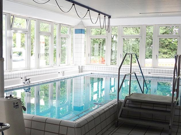 Fürth Klinikum Schwimmkurs Babyschwimmen